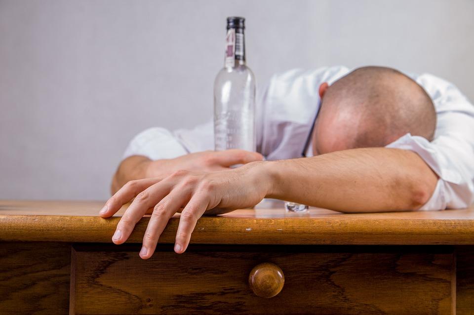 Alkoholizm – rozwój choroby alkoholowej